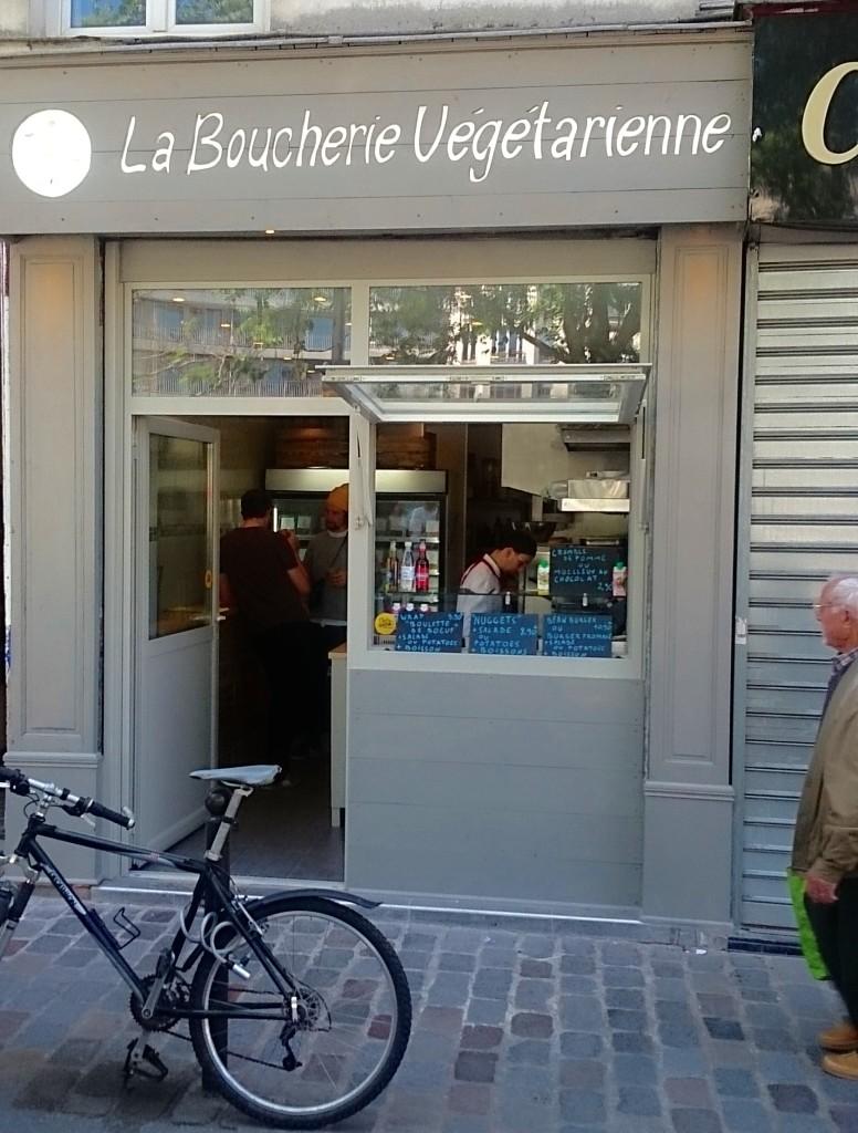 Kasvisproteiinipihvejä La Boucherie Végétariennestä, Paris L I L O U ' s #lilous helsinkiläinen lifestyleblogi blogeuse finlandaise Kaisa Pohjanvirta #mode #Helsinki @KPohjanvirta