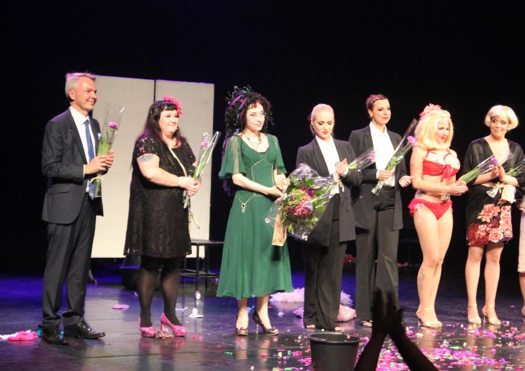 Sofi Oksanen Norman julkistamisjuhlassa 2015 Aleksanterin teatterissa Helsingissä. L I L O U ' s #lilous helsinkiläinen lifestyleblogi blogeuse finlandaise Kaisa Pohjanvirta #mode #Helsinki @KPohjanvirta