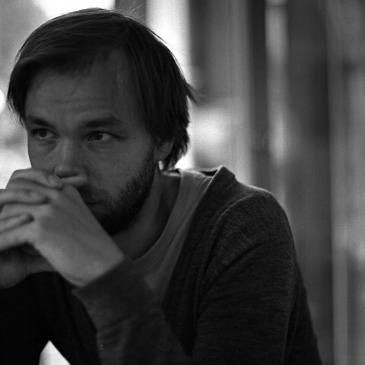 """Sarjakuvataiteilija Ville Ranta: """"Sananvapauden kulttuuri on Suomessa ja Ranskassa hyvin erilainen."""""""