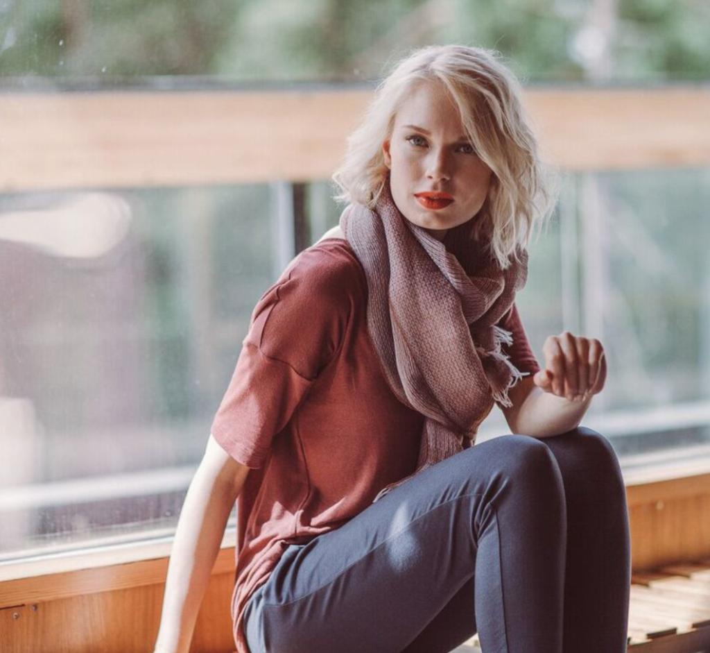 """Suunnittelija Kirsi Lille: """"Tiedostavan kuluttamisen eteneminen on hidasta"""" Kirsi Lille LilleClothing L I L O U ' s #lilous helsinkiläinen lifestyle-blogi Kaisa Pohjanvirta blogeuse finlandaise @KPohjanvirta #Helsinki #FinnishDesign"""