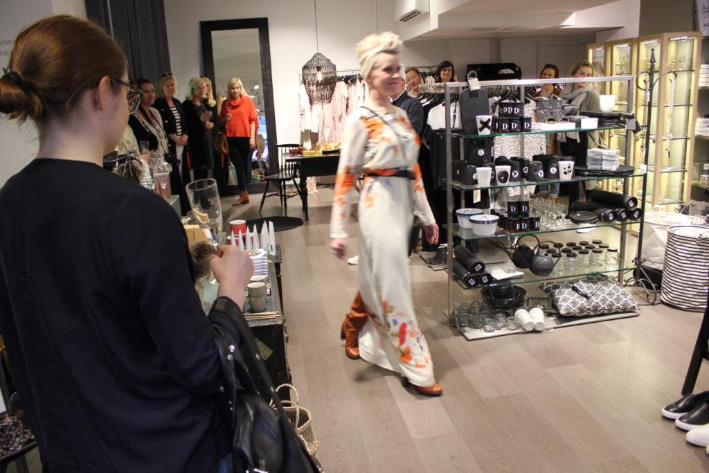 DOTS... huippuosoite Fredalla L I L O U ' s #lilous helsinkiläinen lifestyle-blogi blogeuse finlandaise @KPohjanvirta #Helsinki #DOTS #Designdestrict