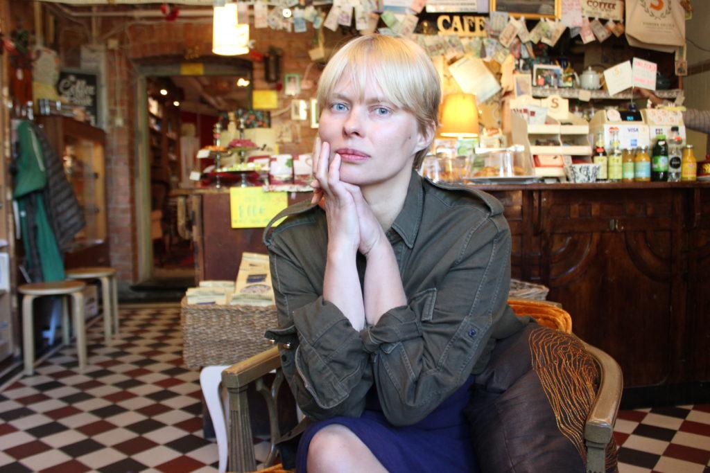 It girl à la finlandaise: Sanna Saastamoinen-Barrois #lilous Cartier-Bresson Finnish National Gallery L I L O U ' s #lilous helsinkiläinen lifestyleblogi blogeuse finlandaise Kaisa Pohjanvirta #mode #Helsinki @KPohjanvirta #FinnishDesign