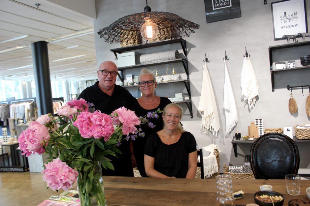 Ajlajk-merkin takana on Mellbergin perheen huikea energia L I L O U ' s #lilous helsinkiläinen lifestyleblogi Kaisa Pohjanvirta blogeuse finlandaise @KPohjanvirta #Ajlajk #villaTremondo #Dots #ByPia's