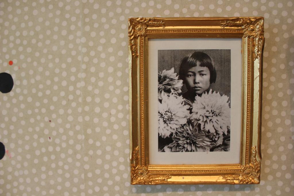 Kurkistus Yayoi Kusaman pilkkumaailmaan L I L O U ' s #lilous lifestyleblogi Kaisa Pohjanvirta #Helsinki Yayoi Kusama #modenamuseet #visitStockholm #TallinkSilja #HelsinkiDesignWeek #HAM @HAMHelsinki Hymni elämälle