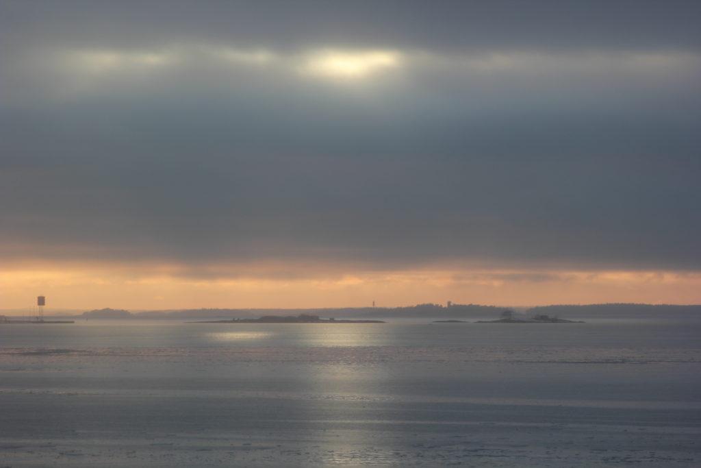 Viipyilevä kevätsumu L I L O U ' s #lilous lifestyleblogi Kaisa Pohjanvirta #helsinki #visithelsinki #vikingline Suomenlinna minne mennä Suomessa