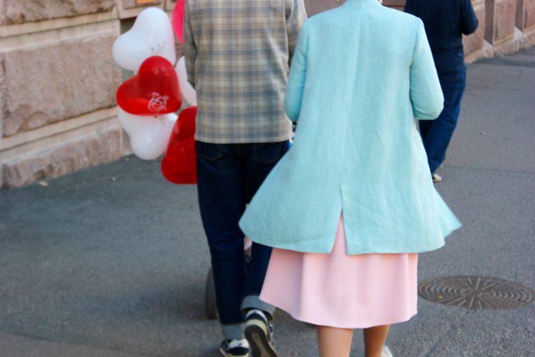 Tuliko Helsingistä Tukholma? L I L O U ' s #lilous lifestyle Kaisa Pohjanvirta Helsinki #streetstyle tyyli pukeutuminen Balmuir Samuji Chunky Beanie Acne Prada #vaatevallankumous helsinkiläinen tyyli Blogeuse finlandaise muodin kliseet kuluttaminen