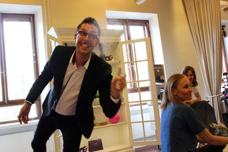 Dr. Hauschkan elämän kevennystä L I L O U ' s #lilous lifestyleblog Kaisa Pohjanvirta Helsinki #drhauschka #karimsattar meikkisarja luonnonkosmetiikka
