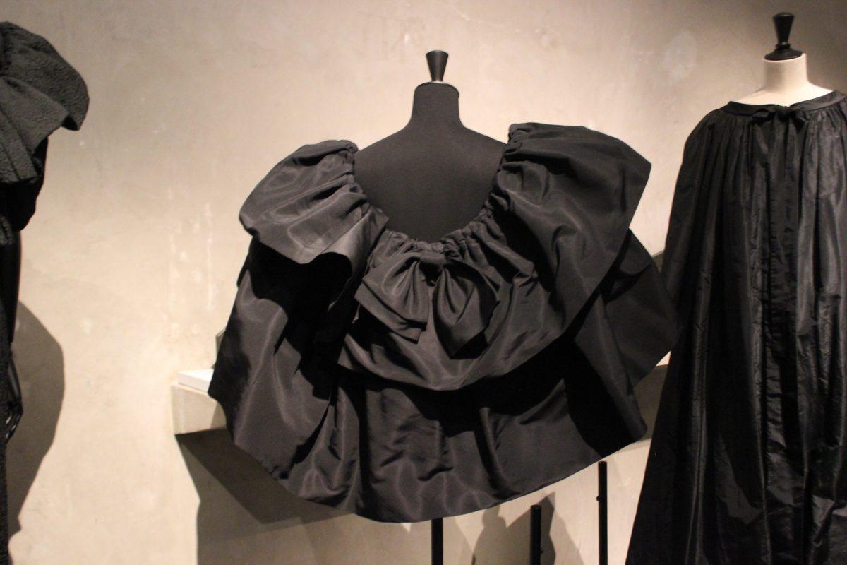 Balenciaga, l'œuvre au noir L I L O U ' s #lilous lifestyleblog Kaisa Pohjanvirta Helsinki Paris Musée Bourdelle Palais Galliera Cristóbal Balenciaga la mode l'histoire de la mode Olivier Saillard #mode #fashion #paris #paris14