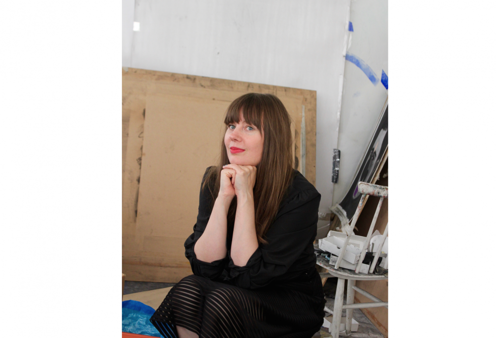 """Kuvataiteilija Hannaleena Heiska: """"Maalauksen ymmärtäminen voi olla hidasta, jos ajattelee, että se täytyy ymmärtää, eikä tuntea."""" L I L O U 's #lilous #camouflage #hannaleenaheiska #contemporaryart #finnishart #kalasatama"""